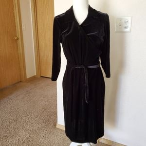 Jaclyn Smith classic black velvet dress